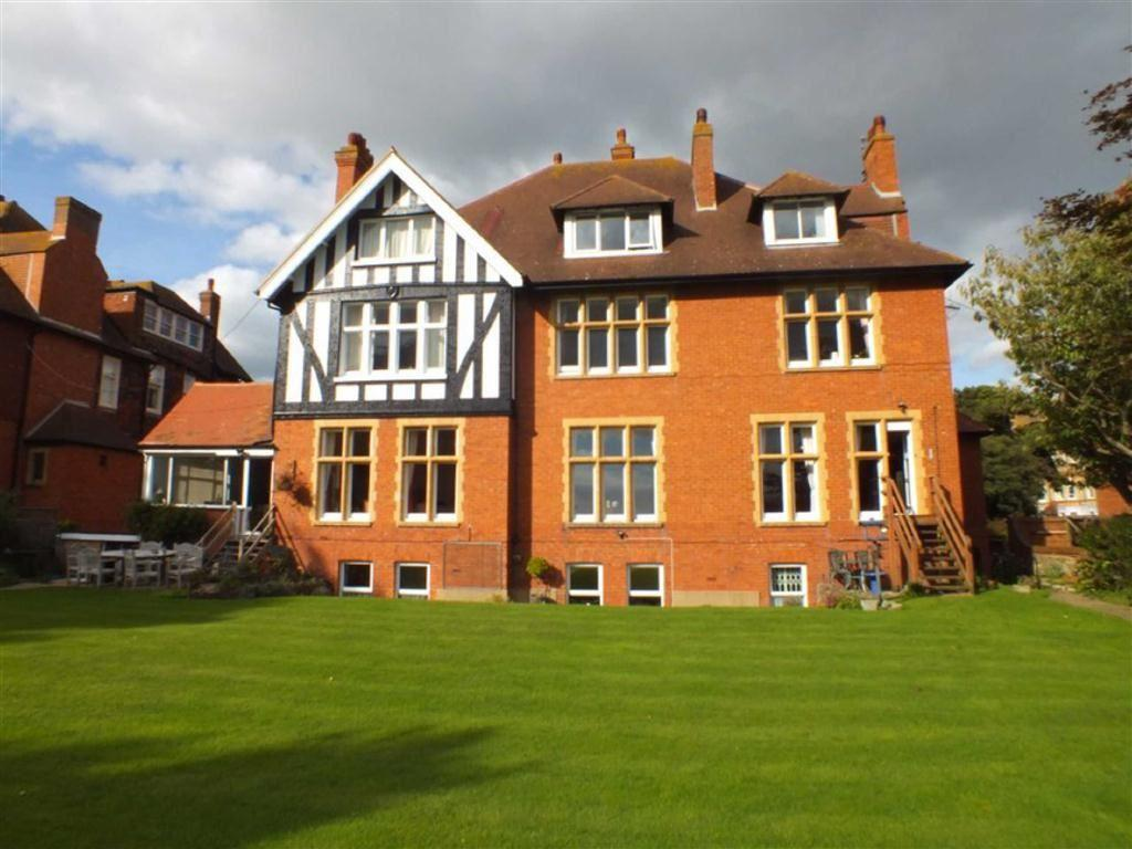 2 Bedrooms Flat for sale in Sandgate Road, Folkestone, Kent, CT20