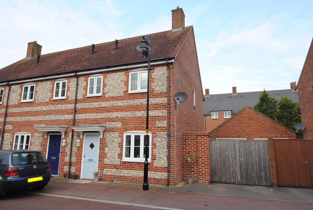 3 Bedrooms Terraced House for sale in Kilford Close, Amesbury, Salisbury, SP4 7XS
