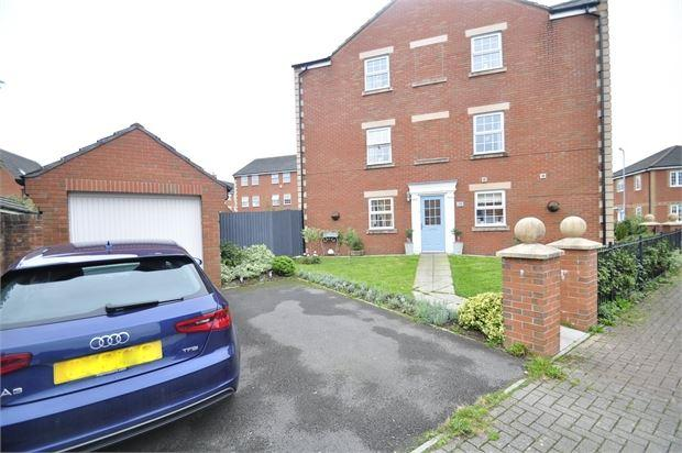 3 Bedrooms Semi Detached House for sale in Conwy Grove , Coedkernew, Newport, Gwent. NP10 8HW