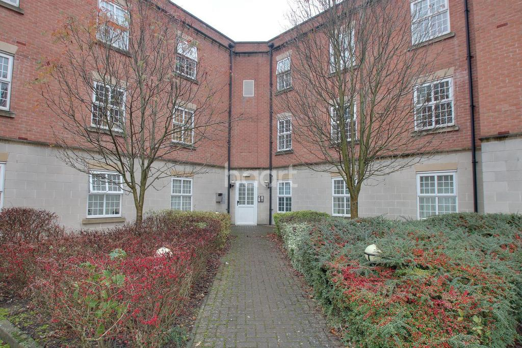 2 Bedrooms Flat for sale in Cambrai Close, Lincoln