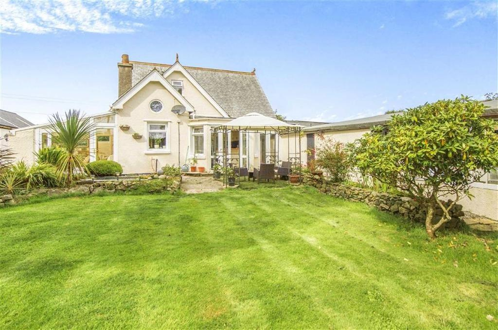 4 Bedrooms Detached House for sale in Bucketts Hill, Redruth, Cornwall, TR16