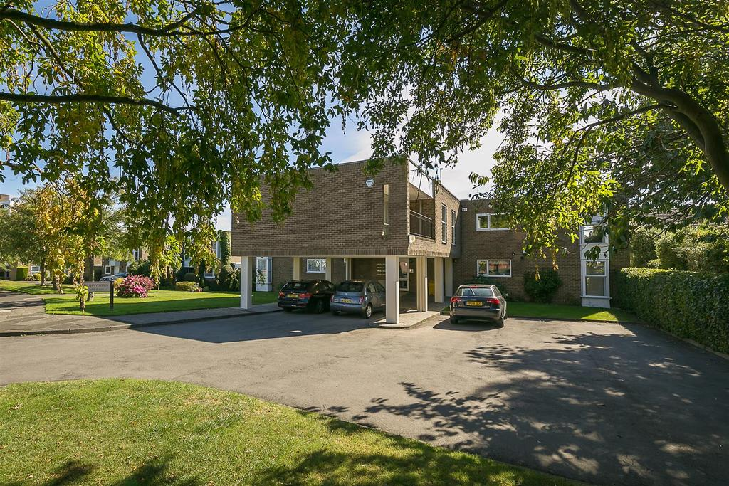 2 Bedrooms Flat for sale in Montagu Avenue, Gosforth, Newcastle upon Tyne