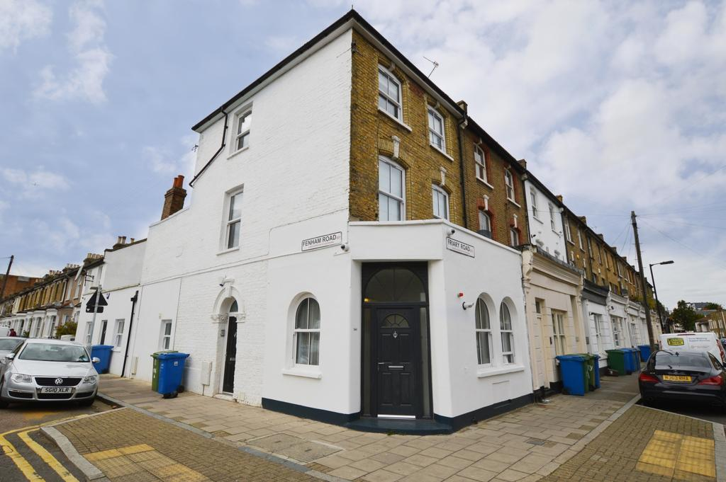 2 Bedrooms Maisonette Flat for sale in Friary Road London SE15