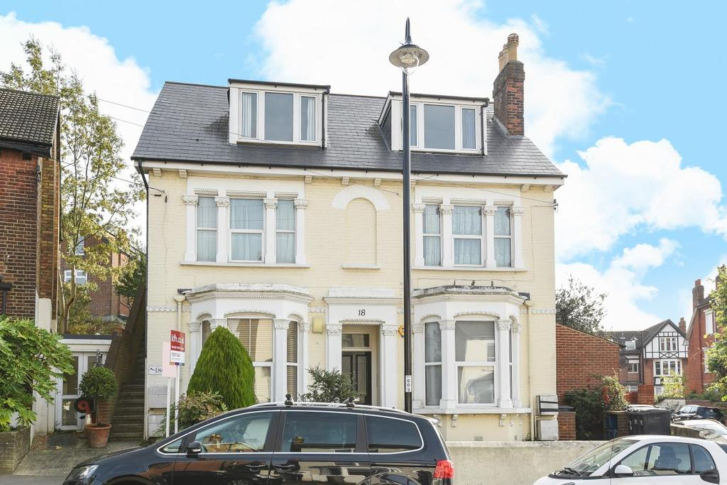 2 Bedrooms Flat for sale in High View Road, Crystal Palace