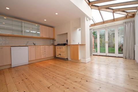4 bedroom terraced house to rent - Lillian Road, Barnes, London