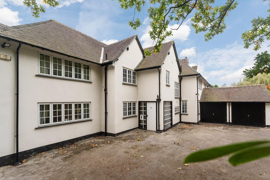 4 Bedrooms Semi Detached House for sale in Castle Hill, Prestbury