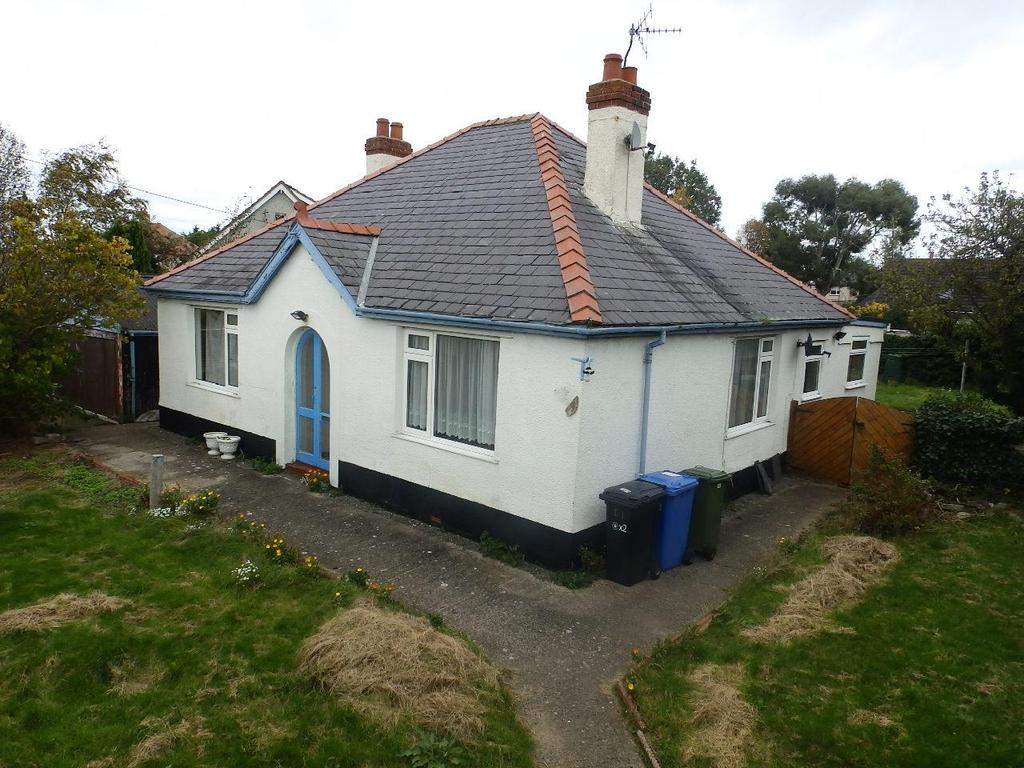 3 Bedrooms Detached Bungalow for sale in Vicarage Lane, Rhuddlan