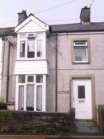 2 Bedrooms Terraced House for sale in 2 Penlan Isaf, Penrhyndeudraeth LL48