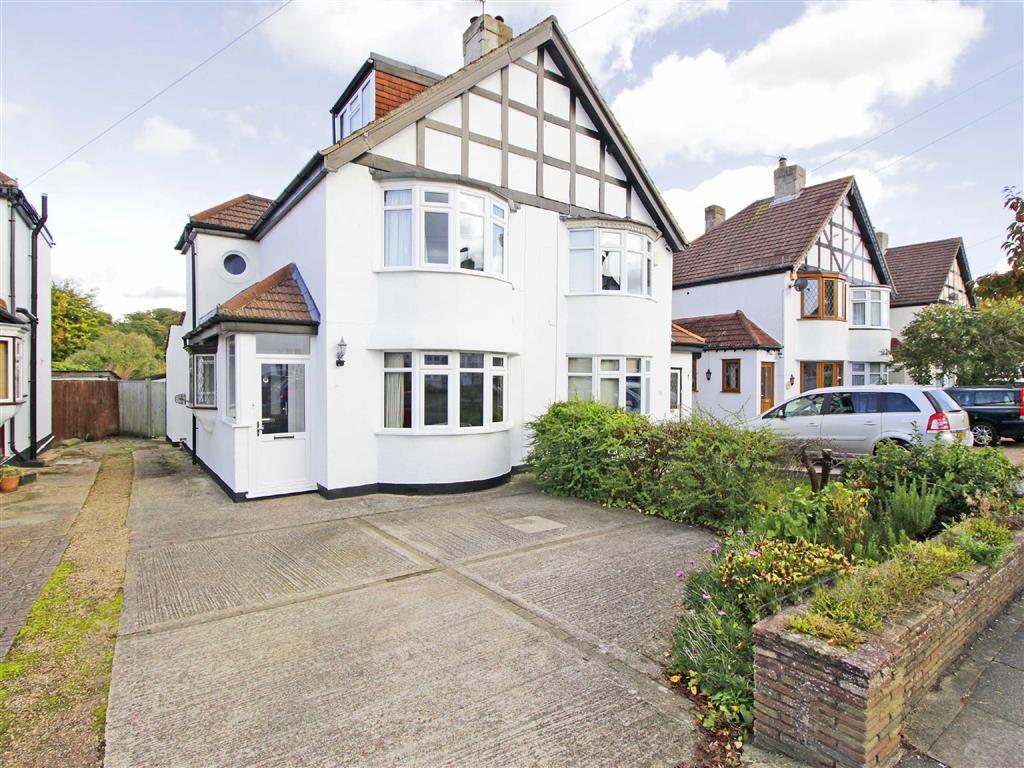 2 Bedrooms Semi Detached House for sale in Queensway, West Wickham, Kent