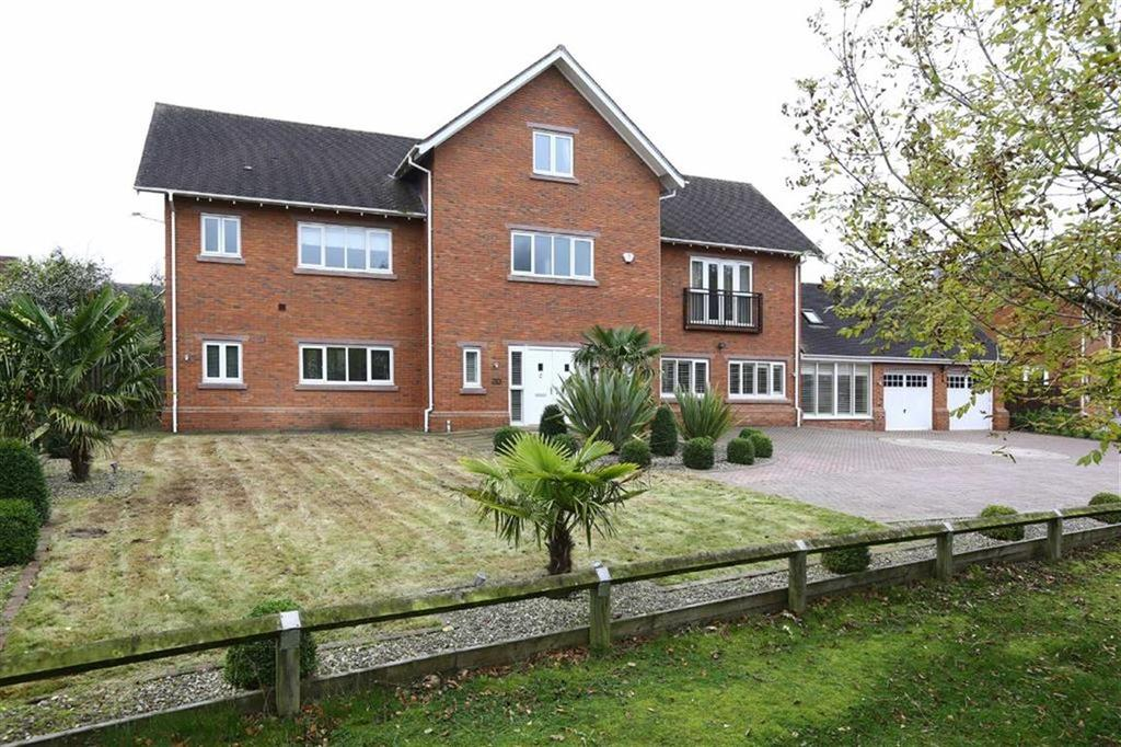 6 Bedrooms Detached House for sale in Freshwater Drive, Crewe, Cheshire