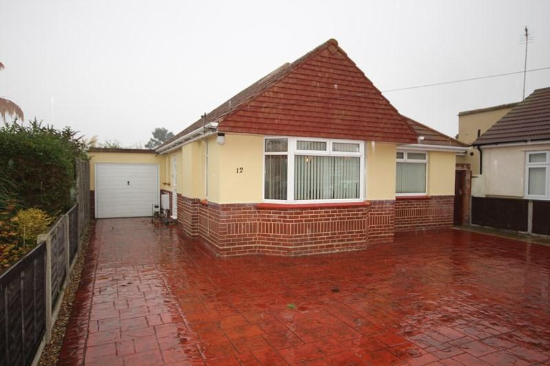 3 Bedrooms Detached Bungalow for sale in Stratford Road, Holland on Sea