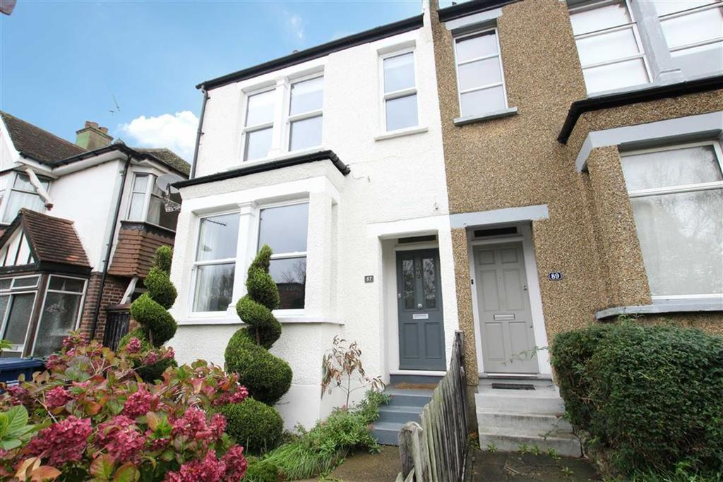 4 Bedrooms Semi Detached House for sale in Daws Lane, Mill Hill