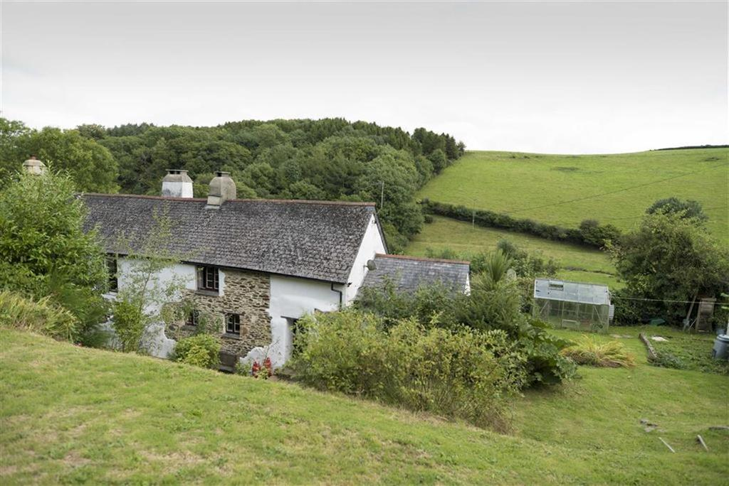 3 Bedrooms Semi Detached House for sale in Coombe Cottage, Deancombe, Buckfastleigh, Devon, TQ11