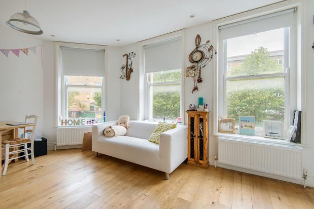 1 Bedroom Flat for sale in Plender Street, Camden, London, NW1