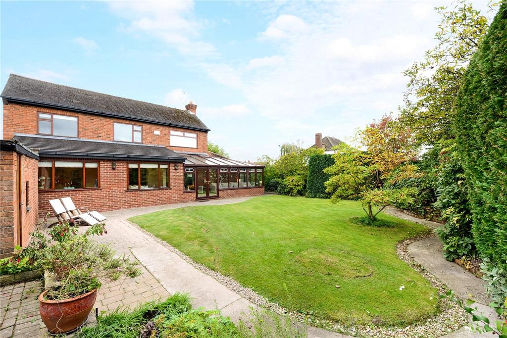 4 Bedrooms Detached House for sale in Lache Lane, Chester, CH4