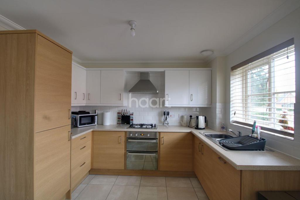 4 Bedrooms Terraced House for sale in Colchester Road, Ipswich