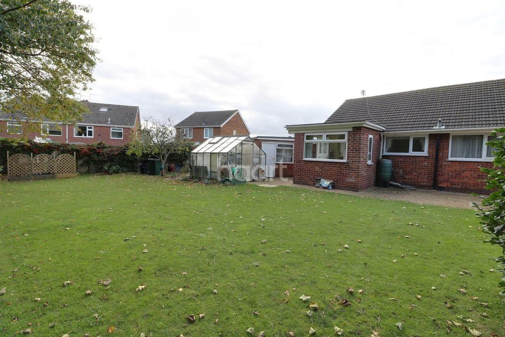 2 Bedrooms Bungalow for sale in Cleveland Road, Armthorpe, Doncaster