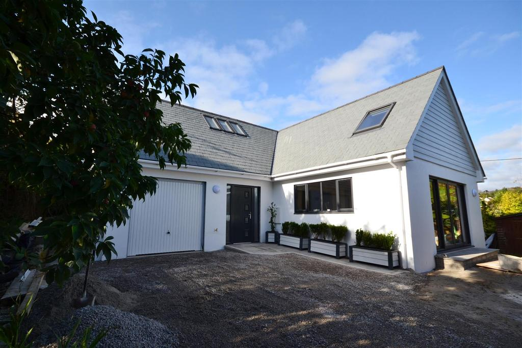 3 Bedrooms Detached House for sale in Budock Water, Falmouth