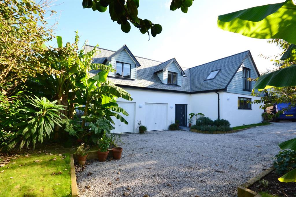 4 Bedrooms Detached House for sale in Budock Water, Falmouth