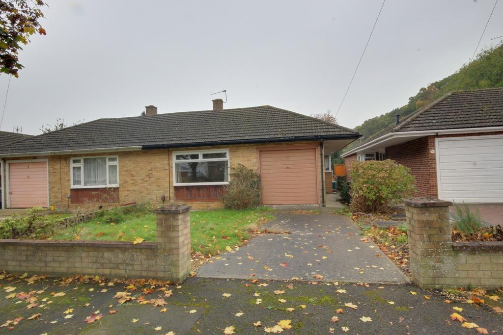 3 Bedrooms Semi Detached Bungalow for sale in COWPLAIN
