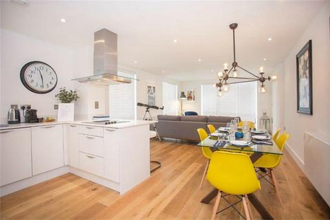 2 bedroom flat to rent - 2 Maritime Walk, Ocean Village, Southampton, Hampshire, United Kingdom
