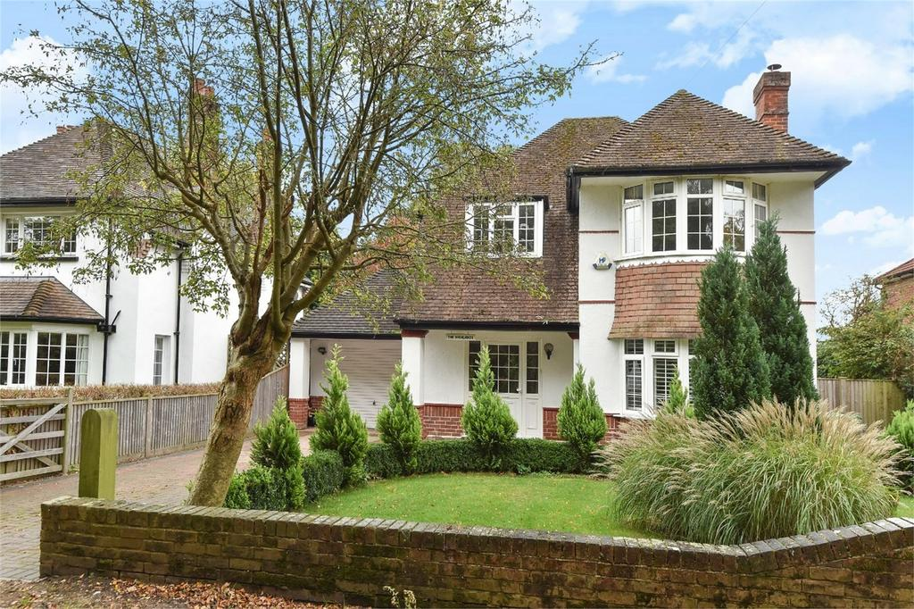 3 Bedrooms Detached House for sale in Bournemouth Road, Chandler's Ford, Hampshire