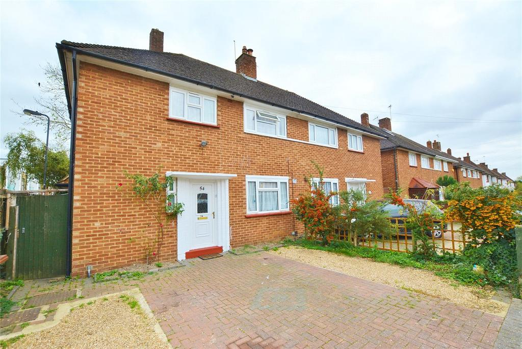 3 Bedrooms Semi Detached House for sale in Masefield Avenue, Stanmore, Middlesex, HA7
