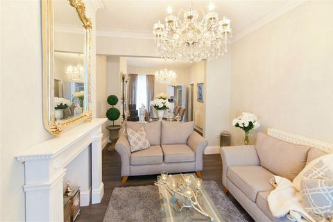 3 bedroom terraced house for sale - Emerald Street, York