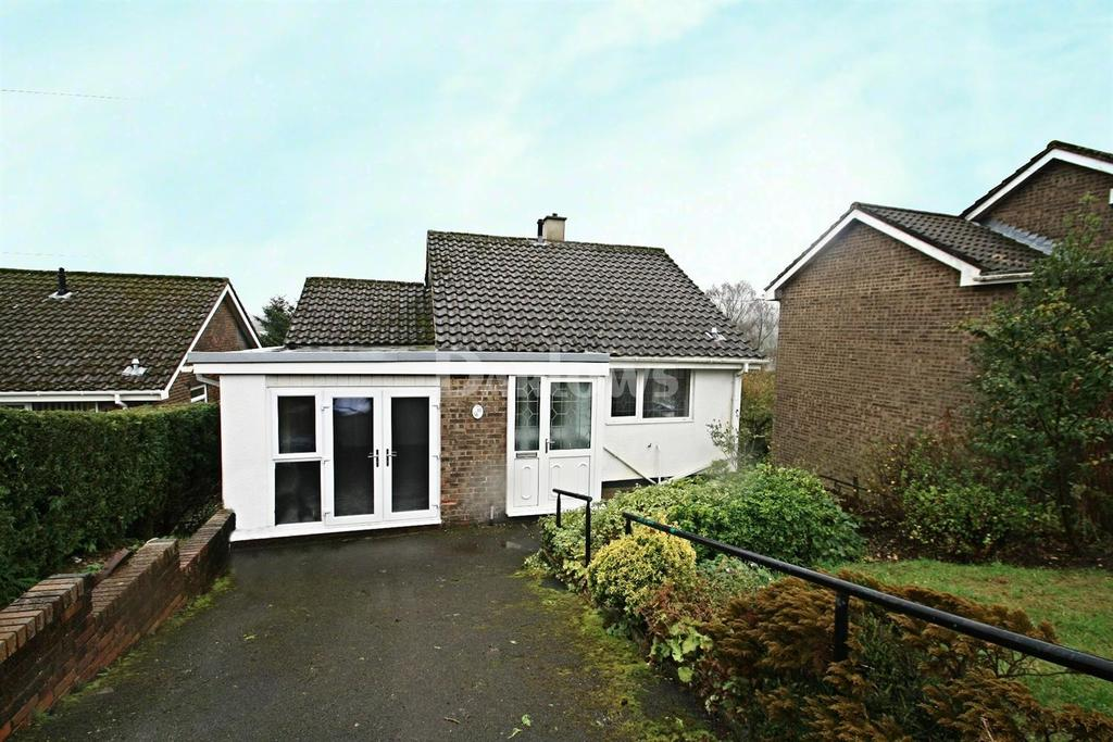 3 Bedrooms Detached House for sale in Cefn Parc, Tredegar,Gwent