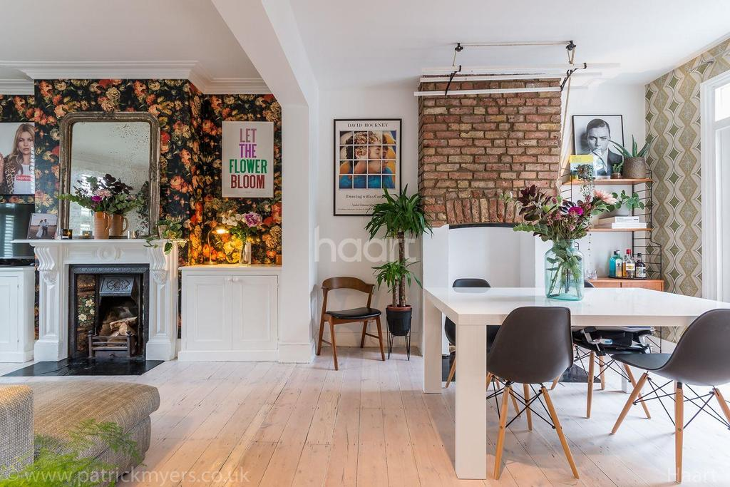 3 Bedrooms Terraced House for sale in Silvester Road, East Dulwich, London SE22