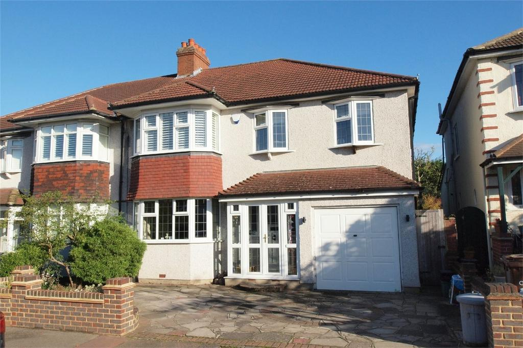 4 Bedrooms Semi Detached House for sale in Sherwood Way, West Wickham, Kent