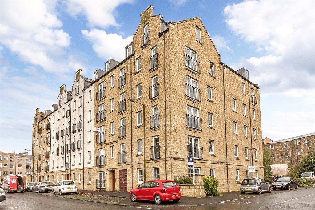 2 Bedrooms Flat for sale in 8/1 Giles Street, Edinburgh, EH6