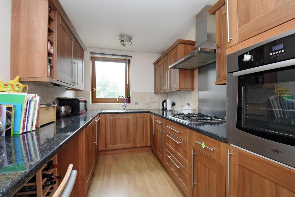 2 Bedrooms Flat for sale in Warwick Drive, Putney