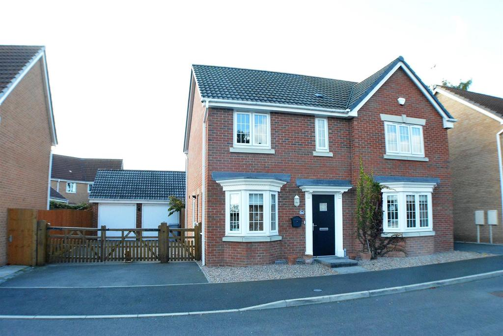 4 Bedrooms Detached House for sale in Mellors Road, Edwinstowe, Mansfield