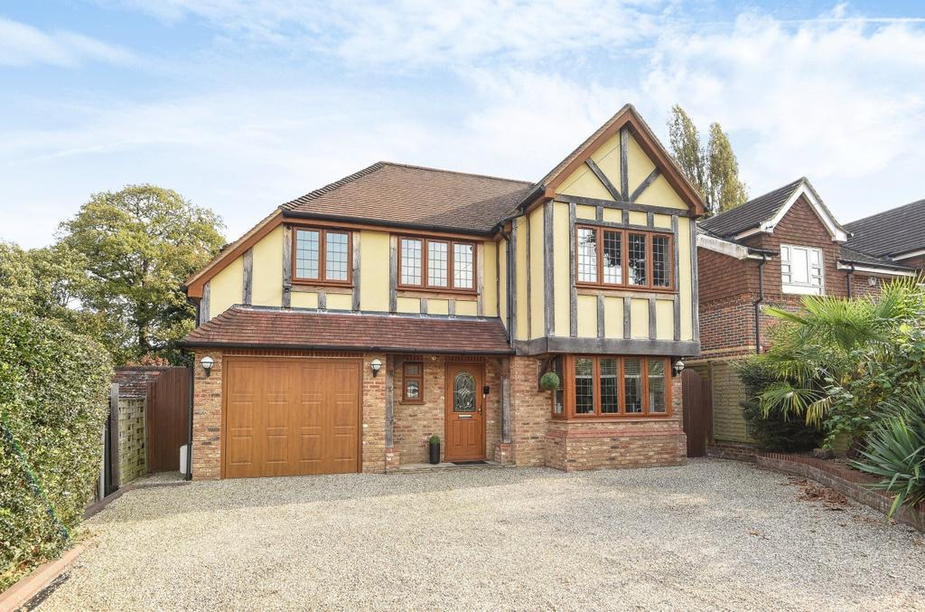 4 Bedrooms Detached House for sale in Westerham Road BR2