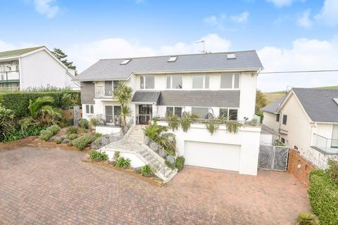 4 bedroom detached house for sale - Roedean Crescent Brighton East Sussex BN2