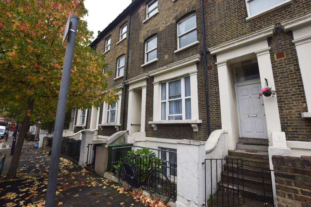 1 Bedroom Flat for sale in Camberwell Station Road Camberwell SE5