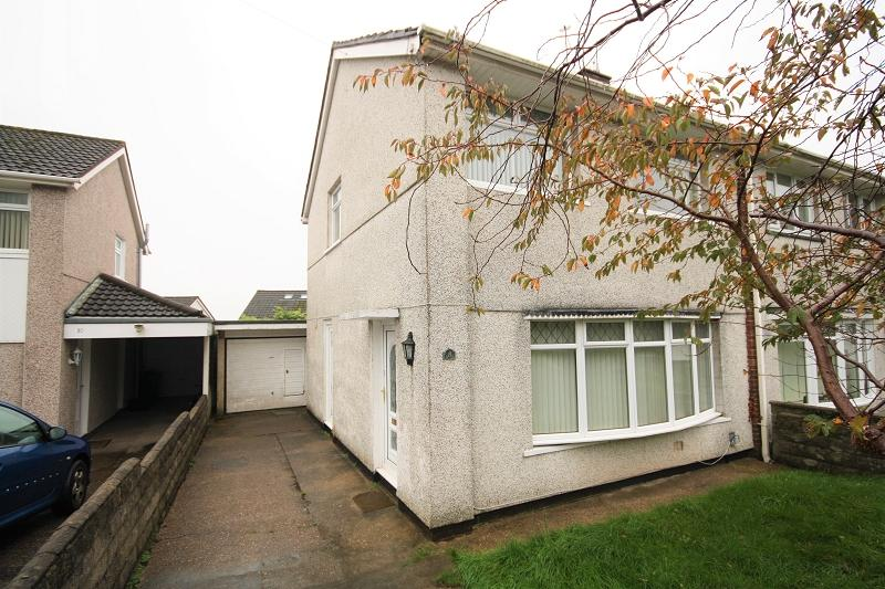 3 Bedrooms Semi Detached House for sale in Thornhill Close, Upper Cwmbran, Cwmbran, Torfaen. NP44 5TG