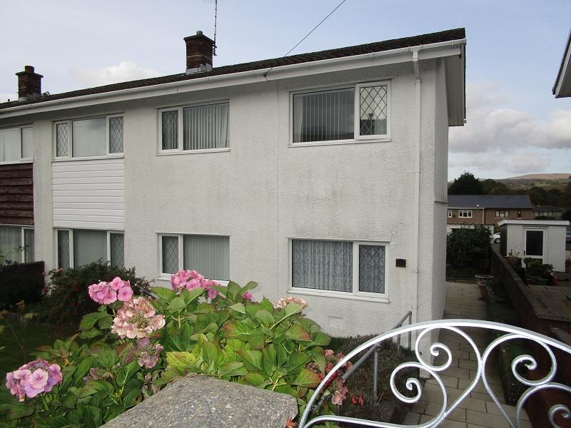 3 Bedrooms Semi Detached House for sale in Dolfain , Ystradgynlais, Swansea.