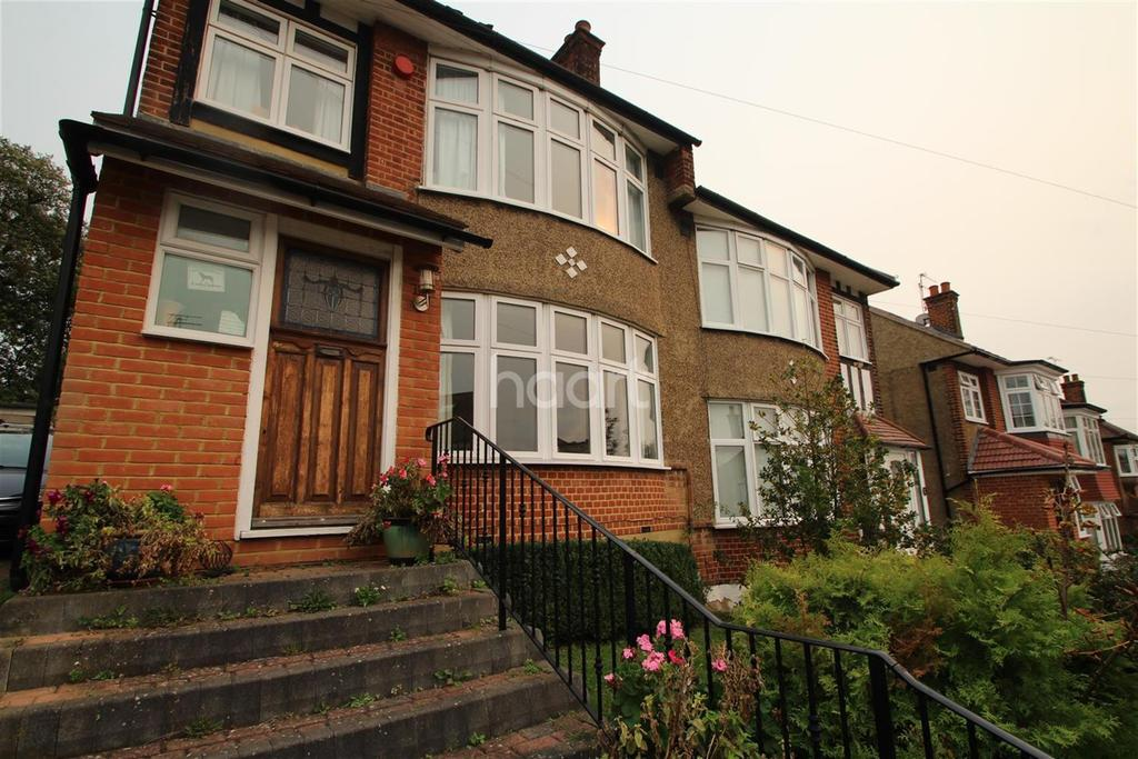 4 Bedrooms Detached House for rent in Slades Gardens - Enfield - EN2