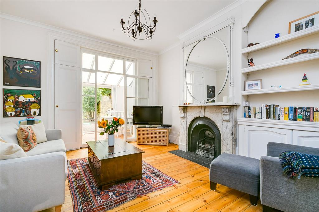 2 Bedrooms Flat for sale in Rosehill Road, Wandsworth, London