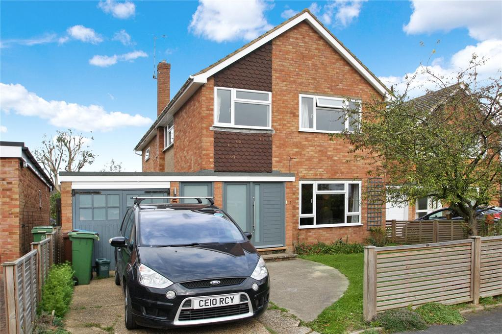 4 Bedrooms Detached House for sale in Marriotts Way, Haddenham, Aylesbury, HP17