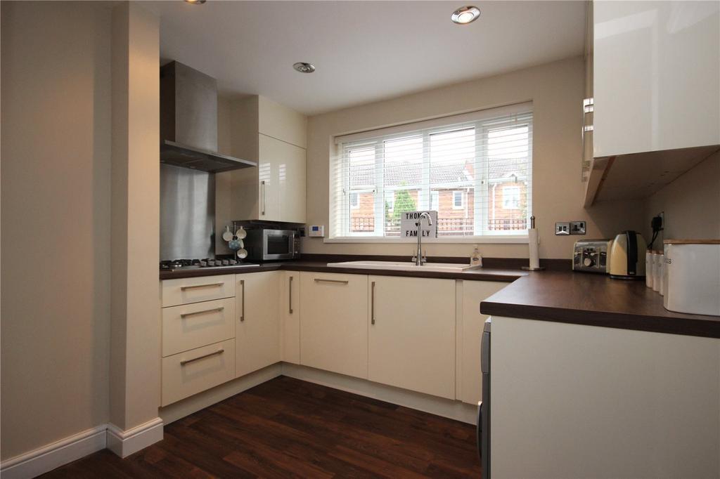 4 Bedrooms Detached House for sale in Ormonds Close, Bradley Stoke, Bristol, BS32
