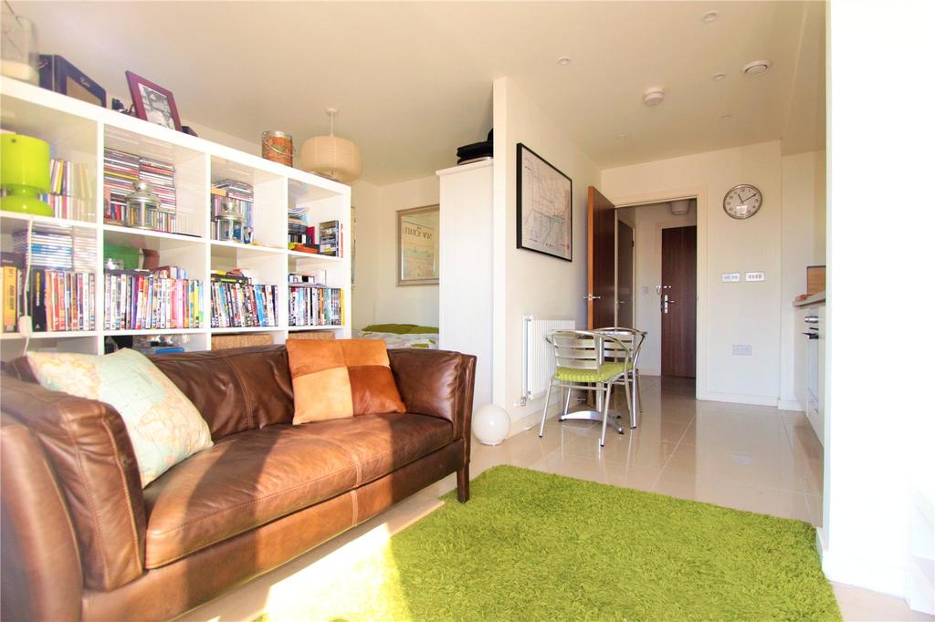Studio Flat for sale in Crested Court, 3 Shearwater Drive, London, NW9