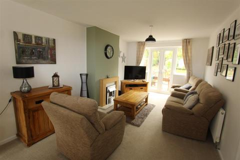 3 bedroom semi-detached house for sale - The Dell, Solihull