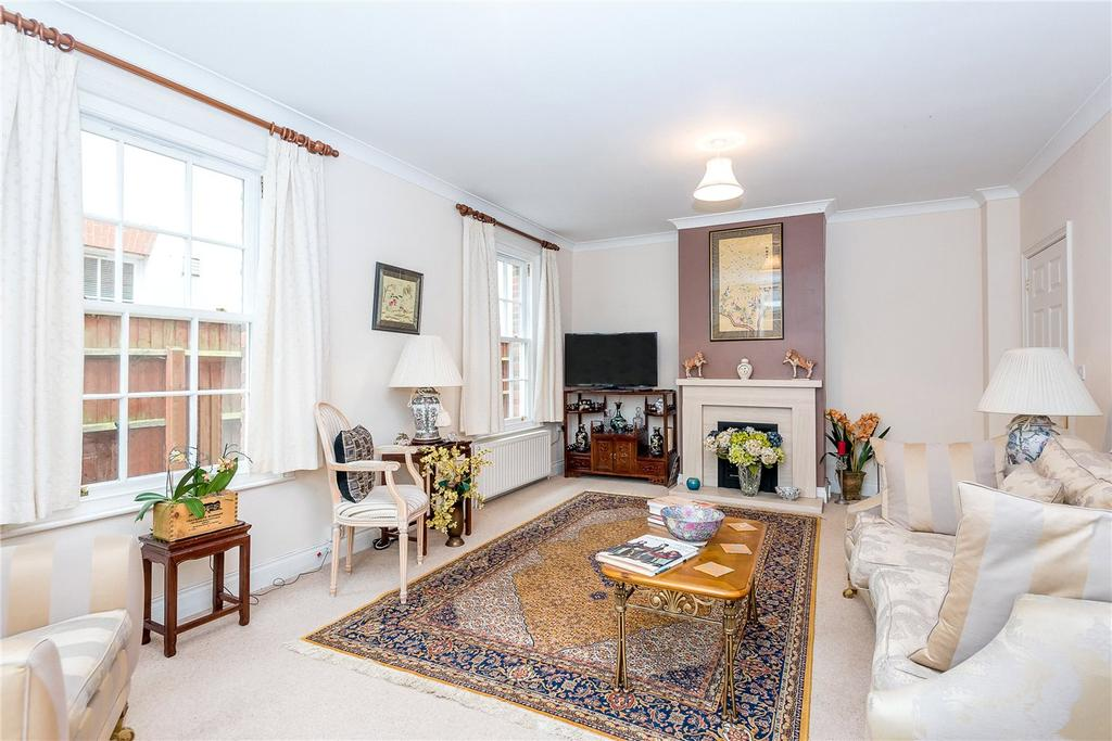 4 Bedrooms Detached House for rent in Manor Garden, Durrington, Salisbury, Wiltshire, SP4