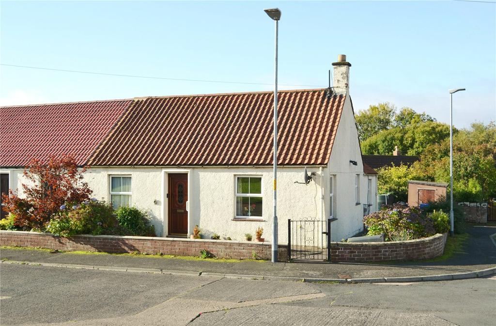 2 Bedrooms Semi Detached Bungalow for sale in Saint Helen's Gardens, Cornhill-on-Tweed, Northumberland