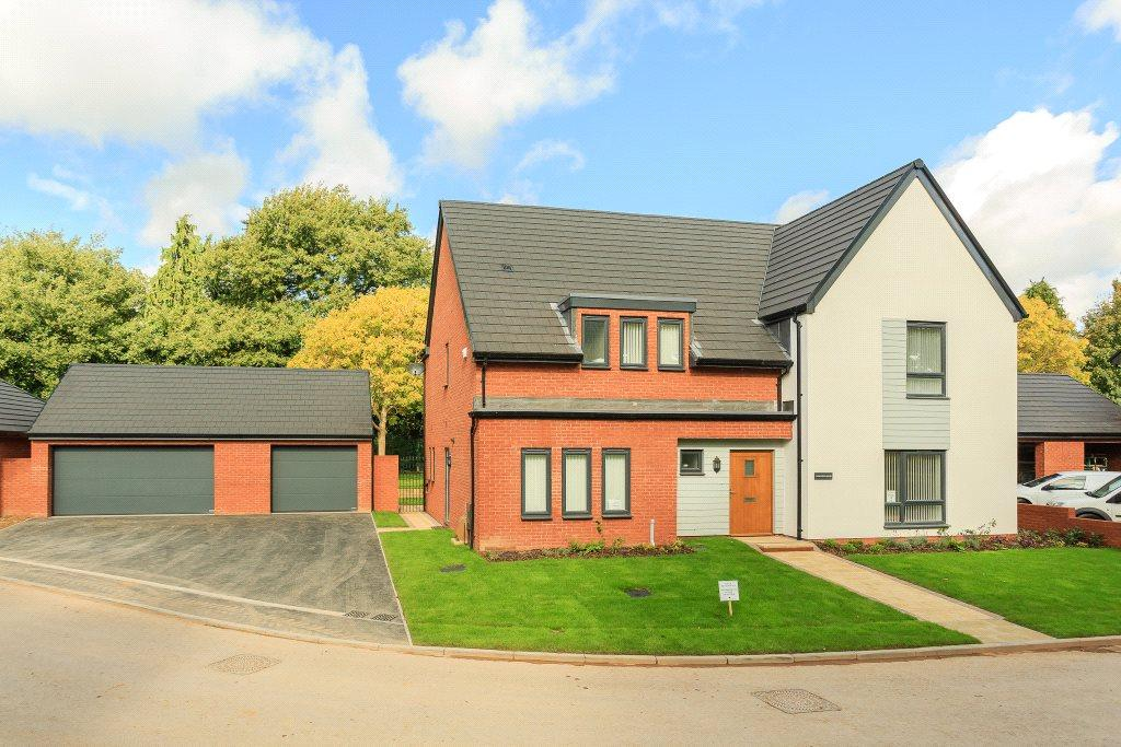 4 Bedrooms Detached House for sale in Ark Royal Avenue, Exeter