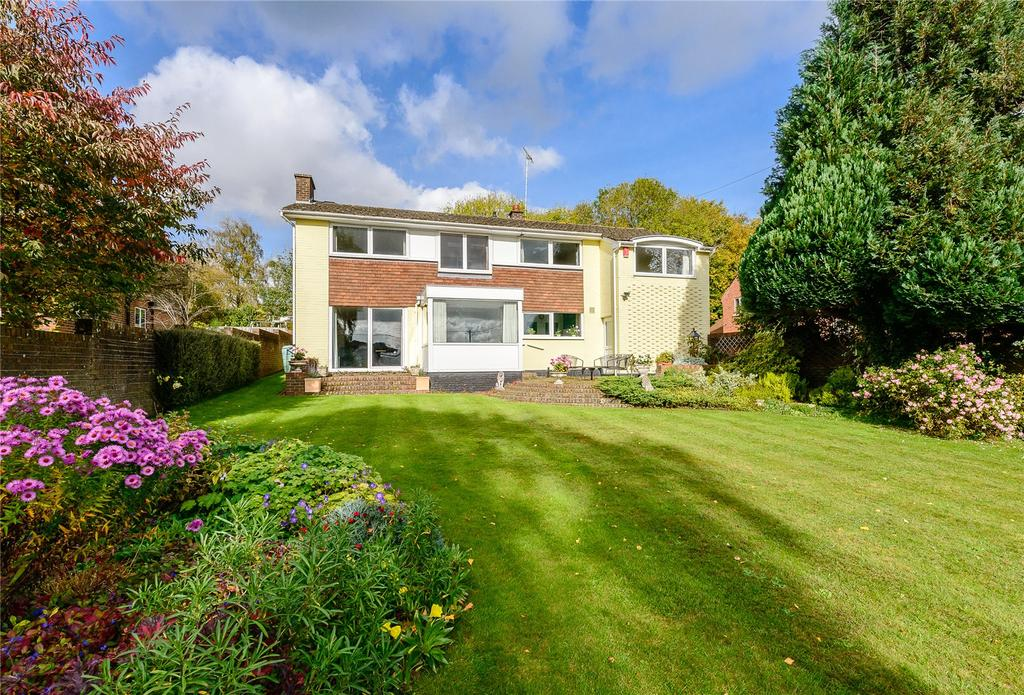 5 Bedrooms Detached House for sale in Bournefields, Twyford, Winchester, Hampshire