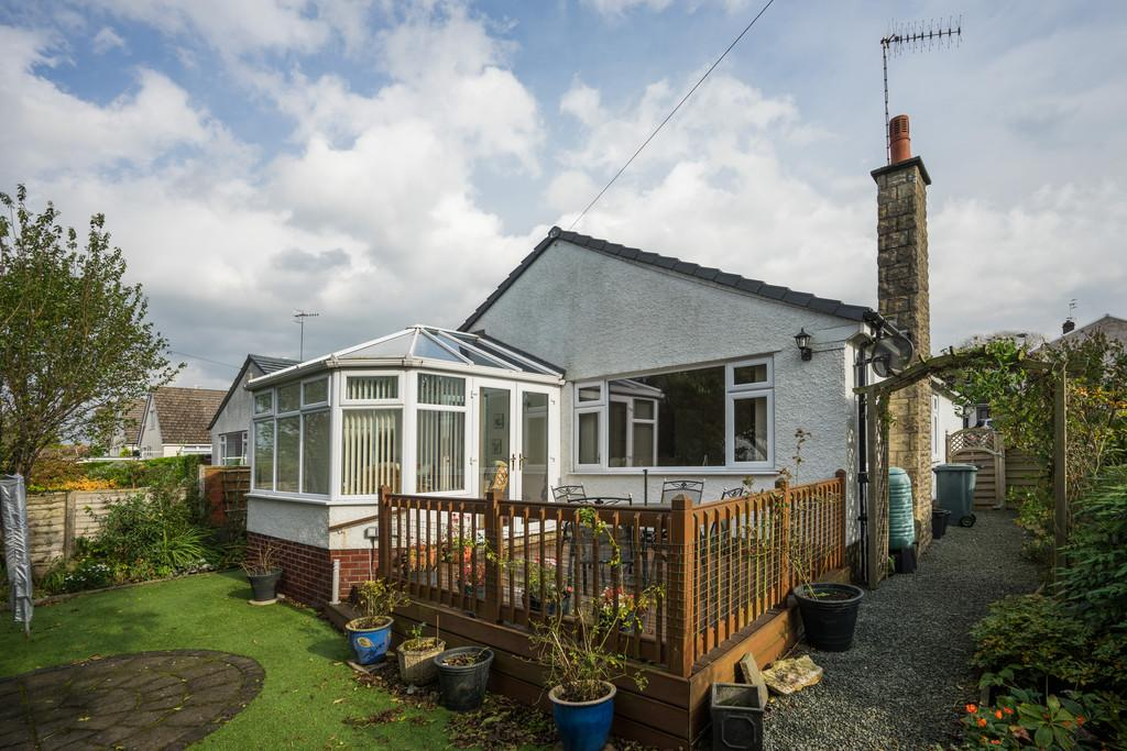 2 Bedrooms Detached Bungalow for sale in 4 Paddock Way, Storth, Milnthorpe, Cumbria, LA7 7JJ